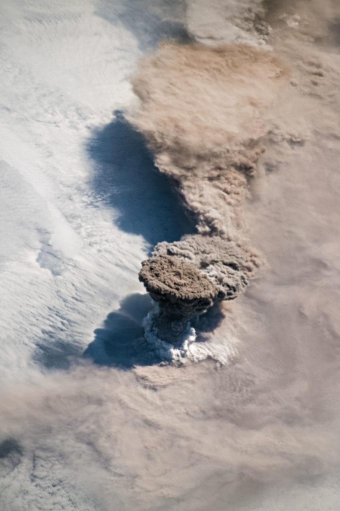 Quand un volcan explose ! Et que l'on se trouve à moins d'un kilomètre…